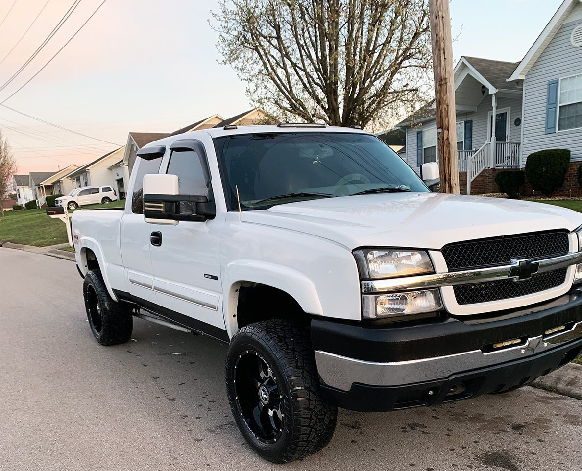 Laurens Chevrolet 2500 with 20x10 Gunslingers